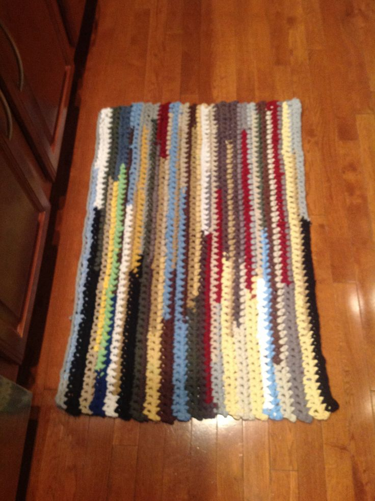 Crochet rug from recycled t-shirts. | Knitting and crochet prjects ...