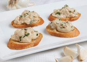 Delicious White Bean Crostini → Find our recipe by clicking on image