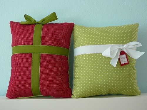 Cute and easy to make Christmas pillow Stuff Pinterest