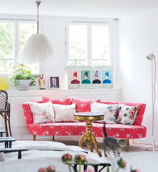 Love this pop of watermelon and the contrast between the florals and graphic warhol-esque prints.  Vintage and modern.