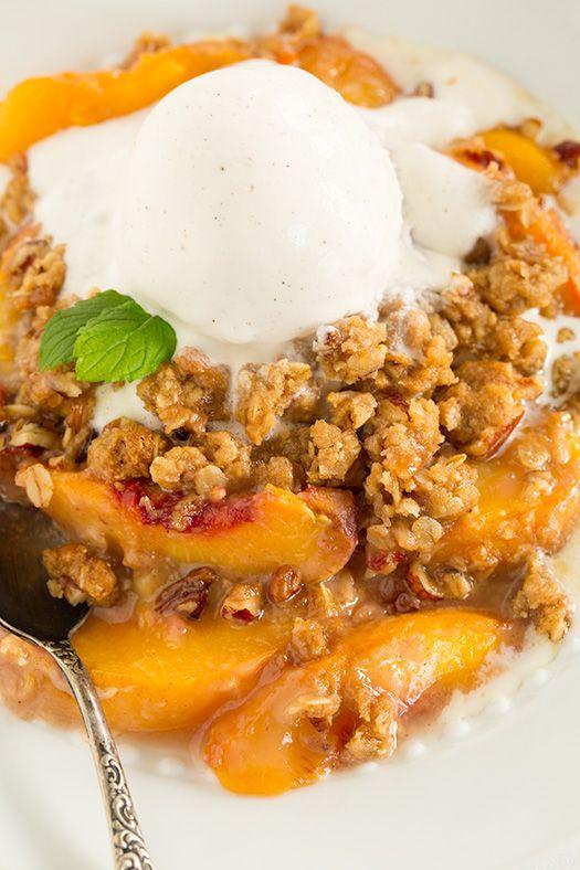Peach Crisp (the BEST!) - this is the ultimate peach crisp recipe! It ...