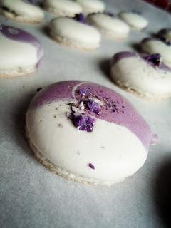 Violet Dark Chocolate Ganache Macarons   Chocolaterie   Pinterest