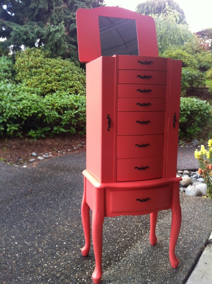 ... ideas and techniques to refurbish and upcycle your worn out furniture