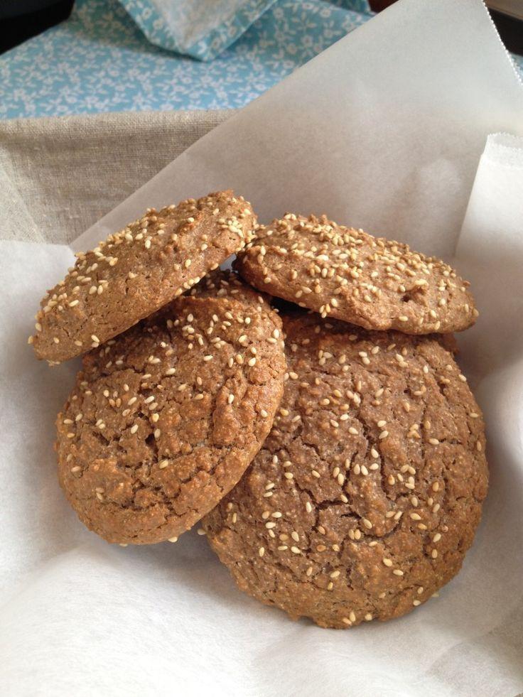 Soft Sesame Burger Buns (paleo/primal) | potato, (un)bread basket, (f ...