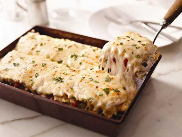 Creamy White Chicken and Artichoke Lasagna