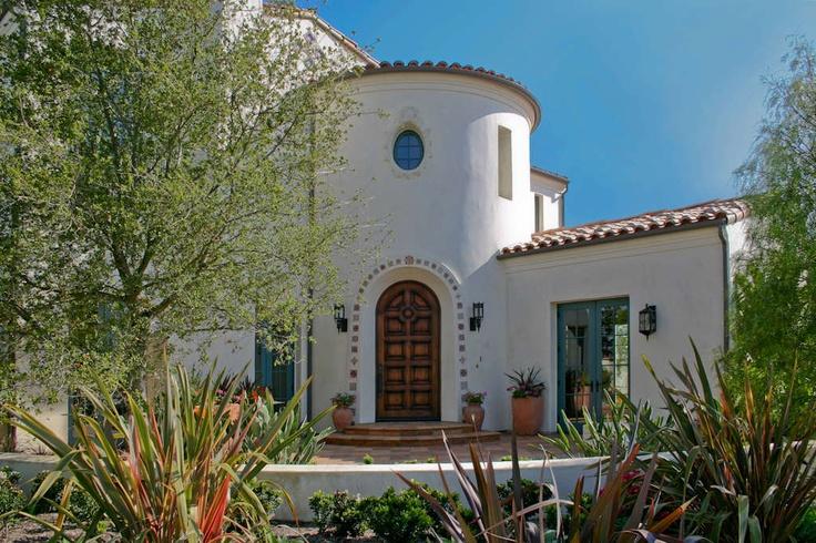 Modern spanish inspired architecture mediterranean for Santa barbara style architecture