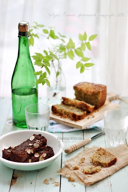 Rich and Moist Chocolate Banana Bread | { yummy } | Pinterest
