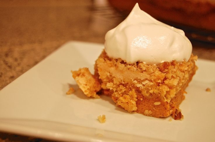 Pumpkin Cobbler, totally making this for Thanksgiving this year!
