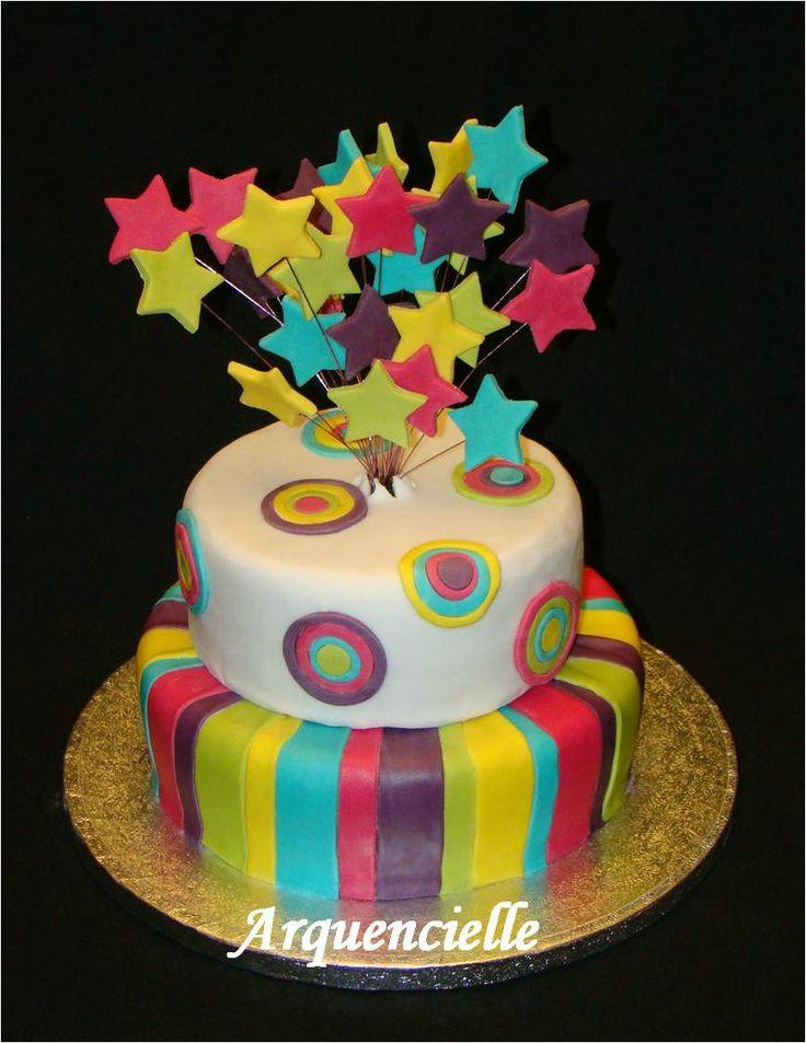 Gâteau de fête étoile arc en ciel  gâteaux de fête  Pinterest