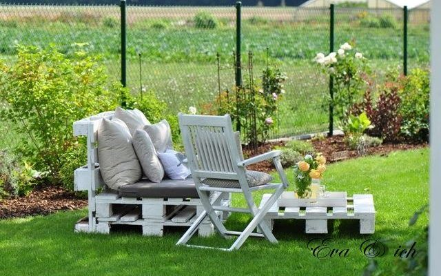 Loungemöbel aus Europaletten-good use of pallet for a low outdoor ...