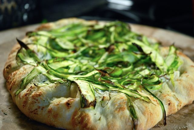 Asparagus and Ricotta Pizza | I LOVE Pizza and savory tarts | Pintere ...