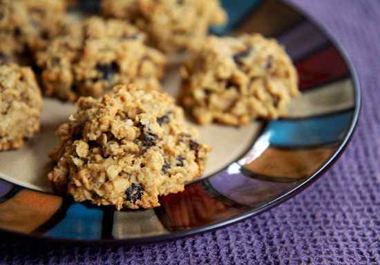 Oatmeal Raisin Cookies http://www.fitsugar.com/Healthy-Oatmeal-Cookie ...
