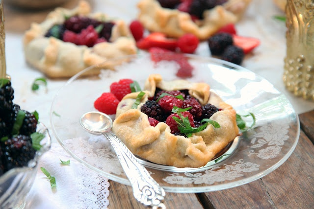 berry galettes | Yum | Pinterest