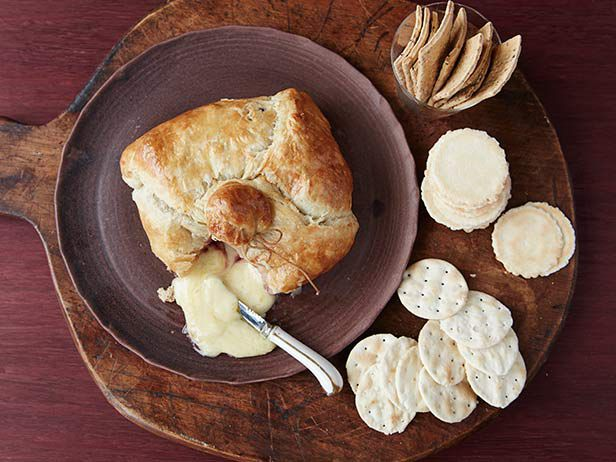 Baked brie and raspberry jam in a puff pastry: Ingredients: 1 sheet ...