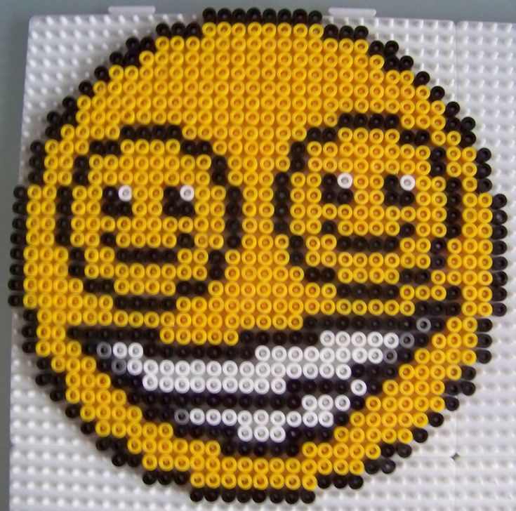 Smiley in smiley en perles hama id es de perles hama perles repa - Perle a repasser smiley ...