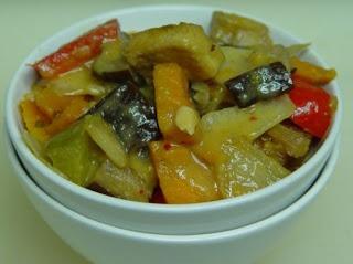 Vegetarian Slow Cooker: Thai Tofu Vegetable Curry