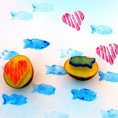 diy sello patata potato stamp corazón heart pez  fish manualidades niños kids children craft miraquechulo