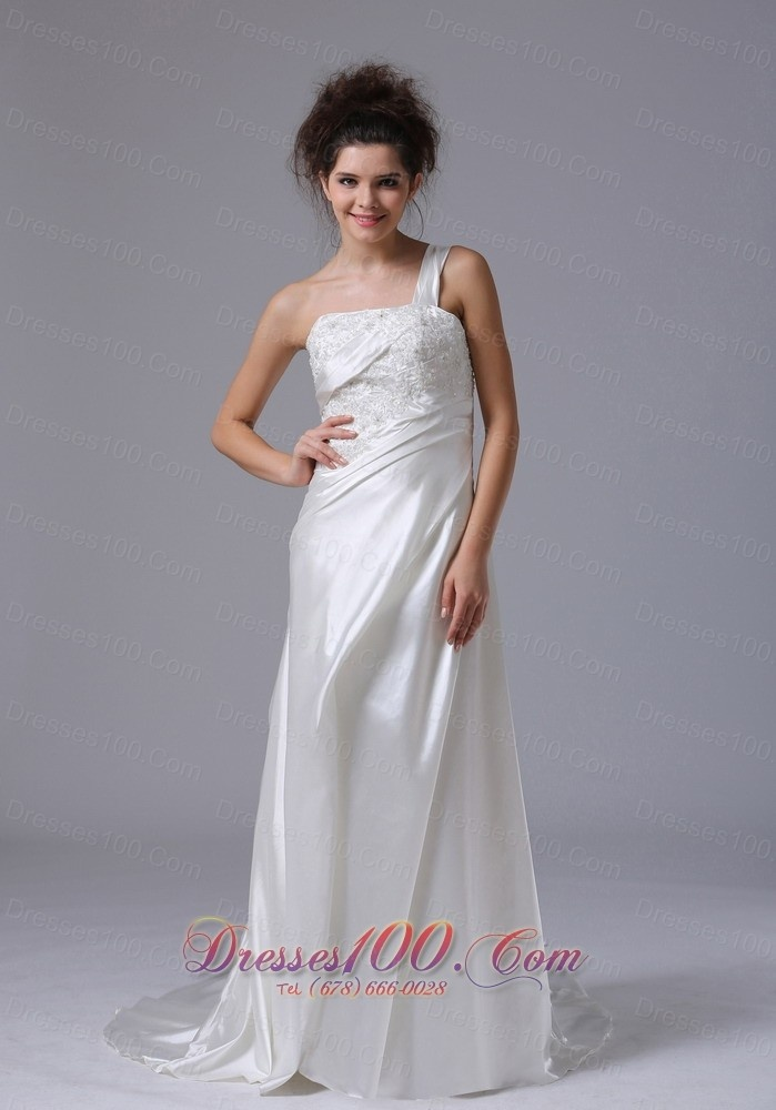 Famous wedding dress store in nyc for Wedding dress shops new york