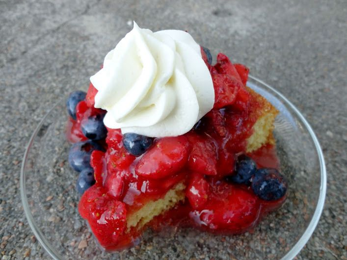 ... !! Red White and Blue Strawberry Shortcake | veronicascornucopia.com