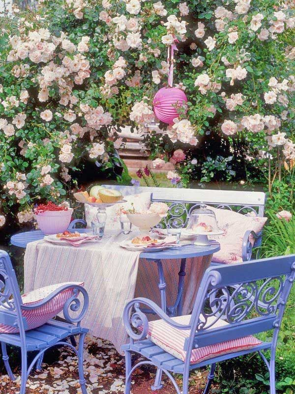 Cottage Garden Dining. For A Cosy Corner Covered Area Of Th.