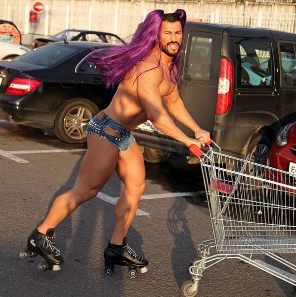 Just a guy going grocery shopping. - Imgur