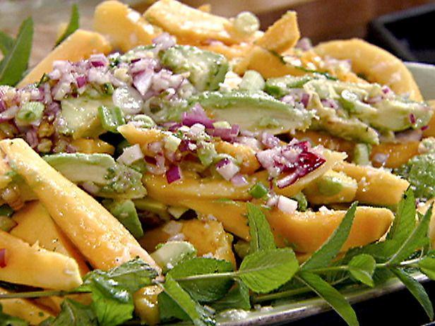 Papaya avocado salad = summer perfection.