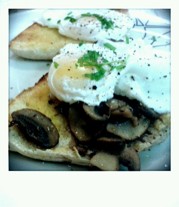 Mushrooms, garlic and thyme on Irish farls with poached eggs and ...