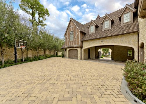 Porte cochere house exteriors pinterest for What is a porte cochere