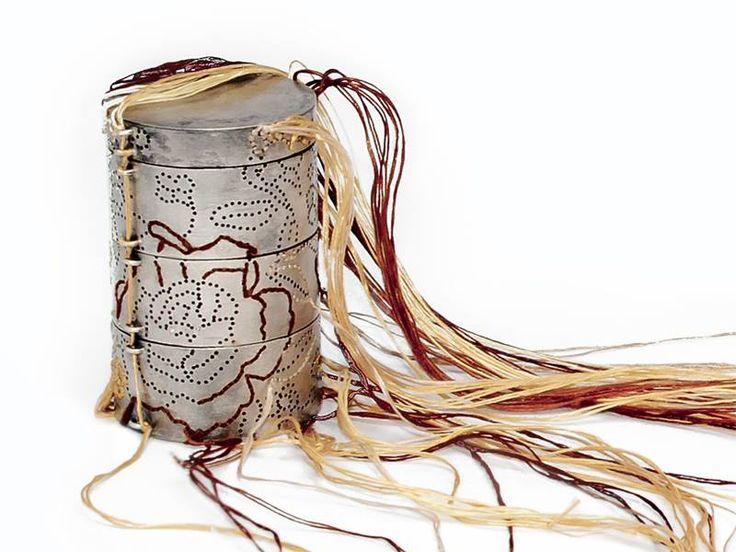 Andrea Coderch - collar 'Caja de lagrimas' 2013 shibuichi, seda