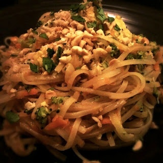 Vegetable Pad Thai... Amazing! Simple and quick, make this an instant ...