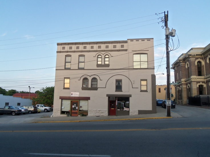 ... 116 N. Broadway, Georgetown, Kentucky, barber shop, In Town Tailoring