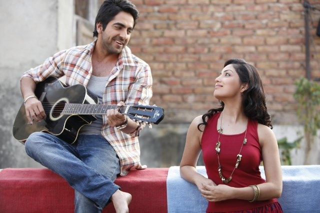 Yami Gautam and Ayushmann Khurrana in  Vicky Donor Yami Gautam And Ayushmann Khurrana In Vicky Donor
