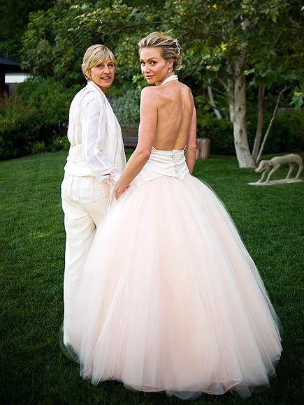 Ellen degeneres and portia de rossi splenda pinterest for Portia de rossi wedding dress