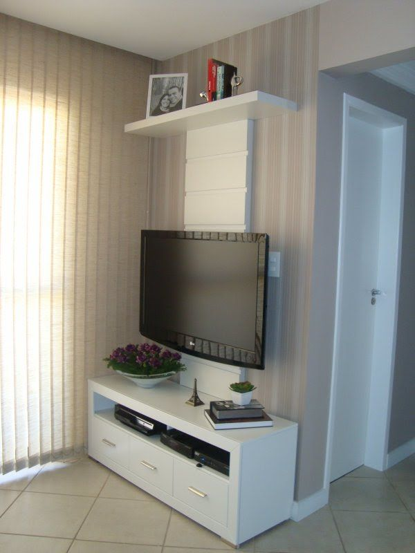 decoração de sala de estar com tv na parede - Pesquisa Google