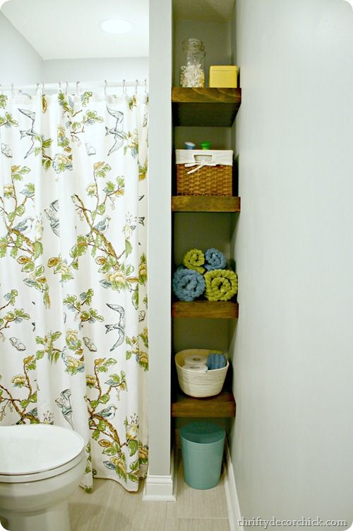 floating shelves | thriftydecorchick.com