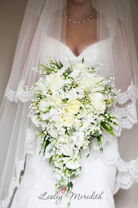 tear drop bouquet weddings pinterest