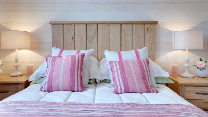 7 feng shui tips to bring love to your bedroom - Feng shui bedroom romance ...