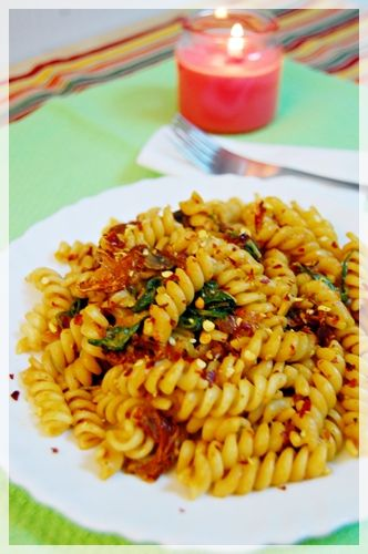 Spicy Sun-dried Tomato Fusilli with Spinach and Mushroom | step-by ...