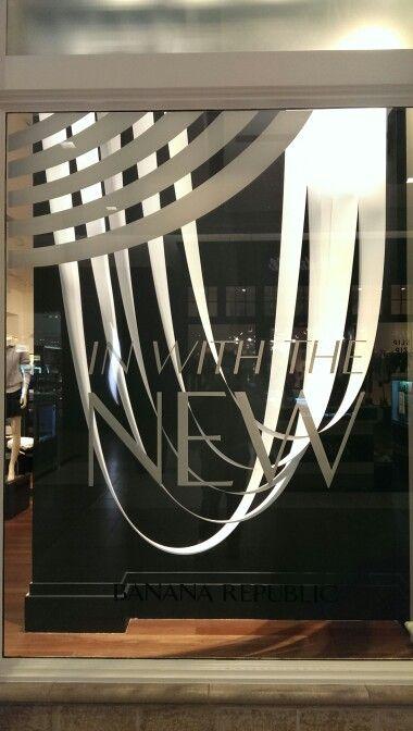 Very simple and impactfull window display at banana republic this