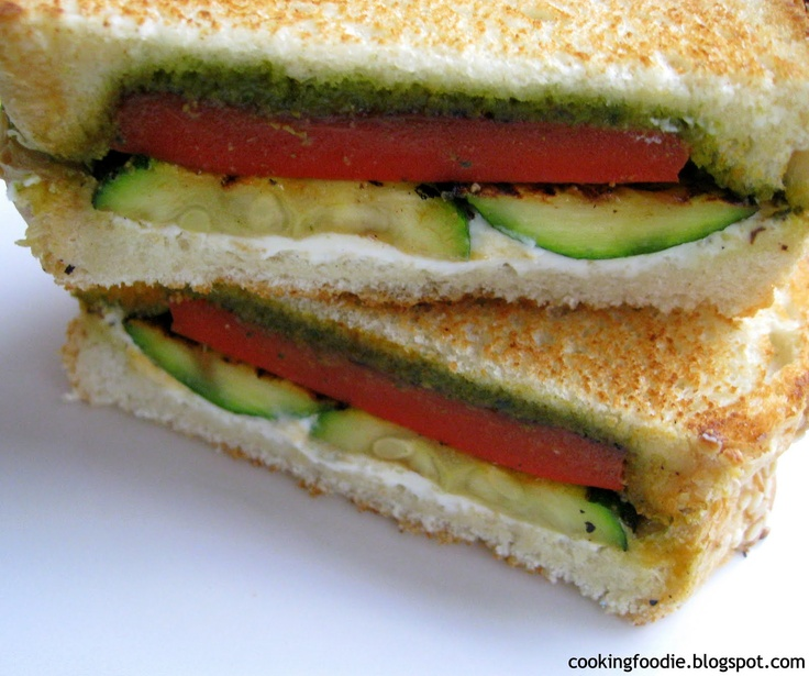 ... / Grilled Sandwich with Pesto, Goat Cheese, Zucchini and Red Pepper