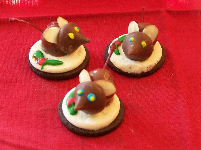 Christmas Chocolate cherry mice   Looks too good to eat!   Pinterest