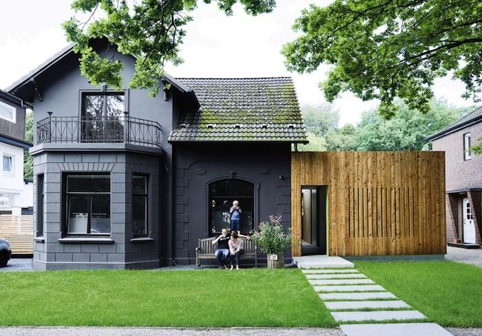 11 Traditional Houses Gone To The Dark Side By
