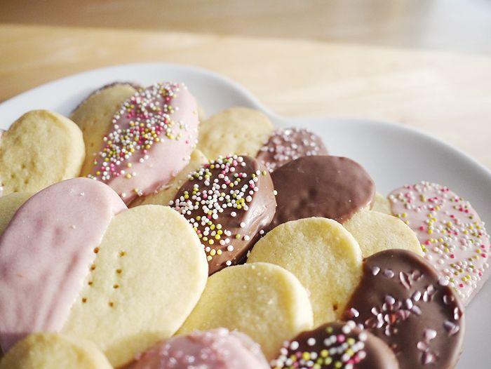 Recipe: Valentine's Chocolate Dipped Shortbread Hearts ...