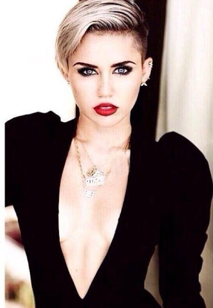 Miley Cyrus ; gorgeous girl