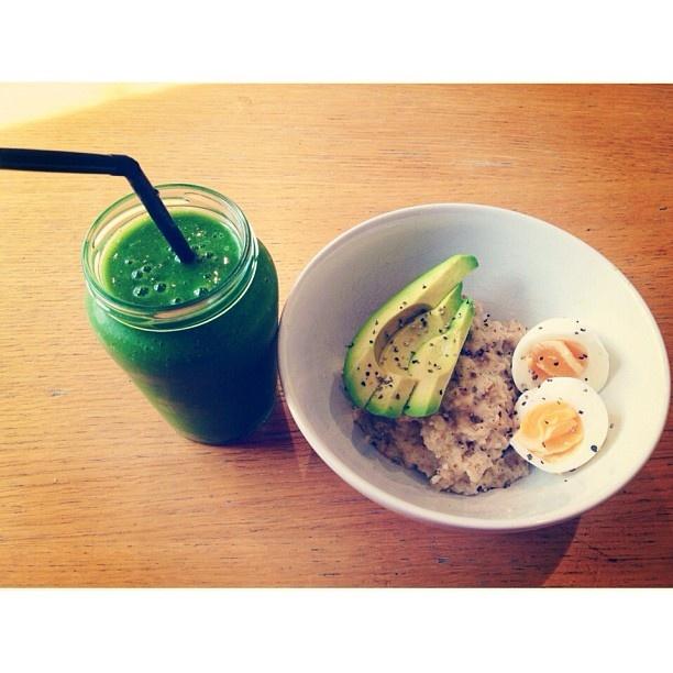 Green smoothie (banana, kiwi, pear, orange, lemon, chia seeds and a ...