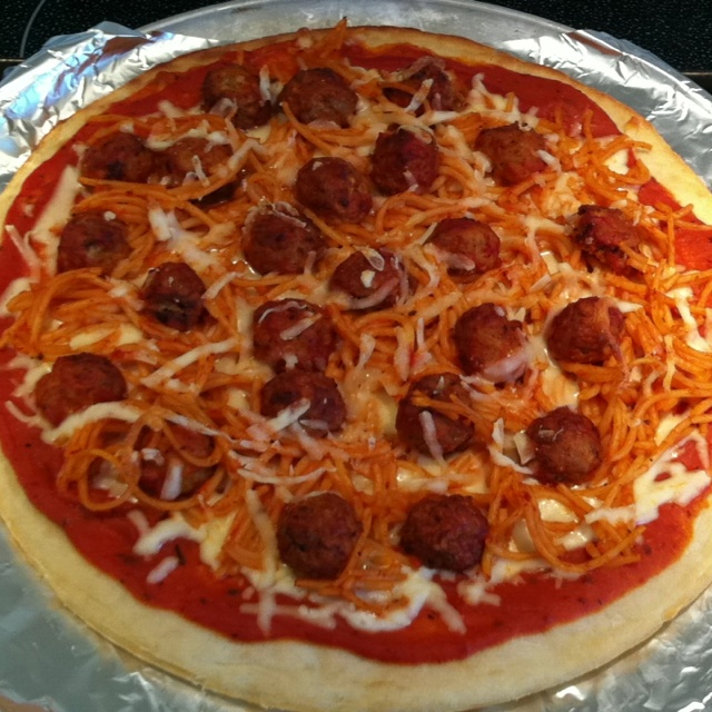 Spaghetti & Meatball Pizza! | Recipes: Beef | Pinterest