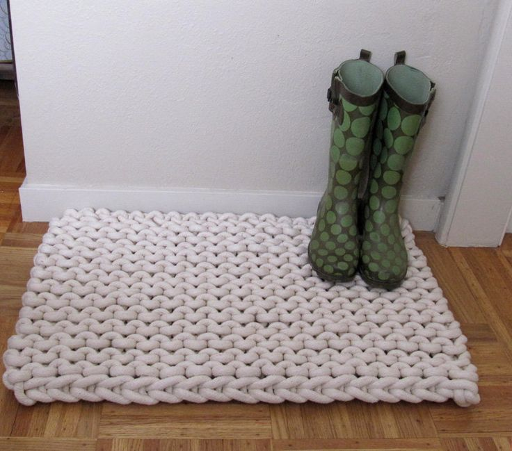 Giant knit rope rug - 30 by 20 inches