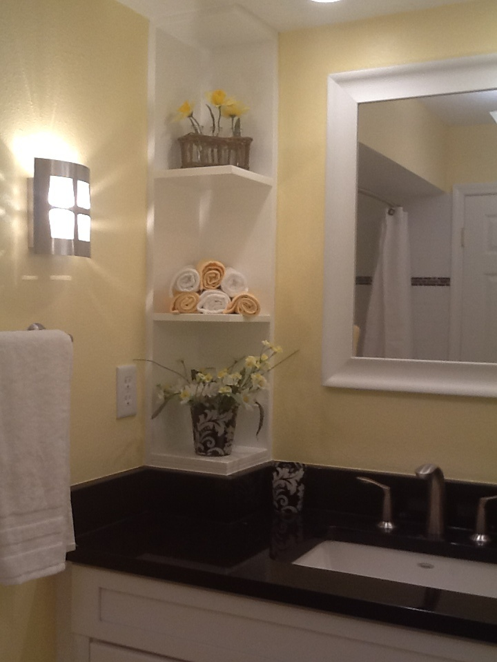 Left Side Sink Vanity : Left side of bathroom sink and vanity Lornas Bathroom Ideas Pint ...