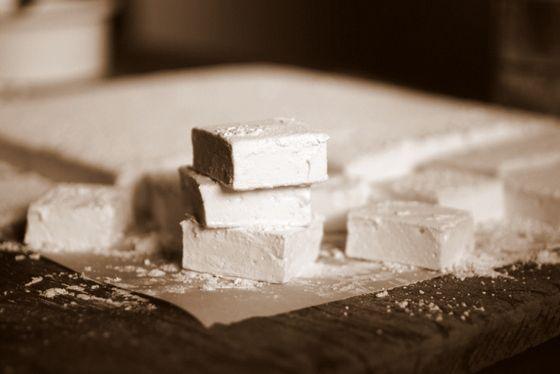 Vintage Kitchen Notes: Homemade Vanilla Marshmallows #SundaySupper