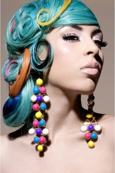 love the hair makeup and earrings...I could never pull off the blue but i still think this pic is awesome
